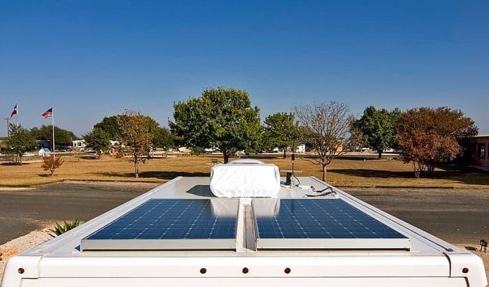 how many amps does a 200 watt solar panel produce